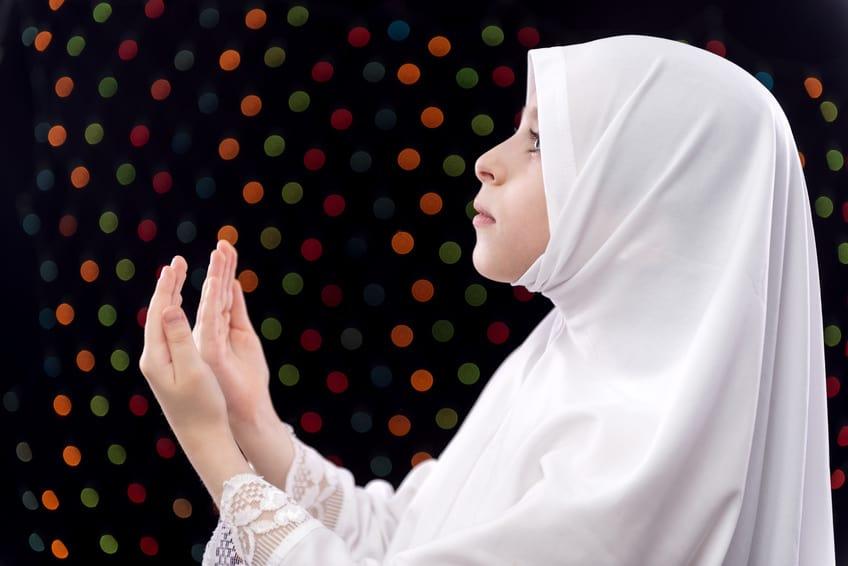 صورة تفسير حلم الحجاب الابيض , تفسير رويه الحجاب في المنام