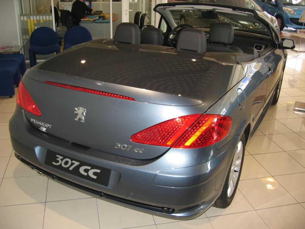 بالصور سيارة بيجو 307 , مميزات وعيوب سياره بيجو 2090 3
