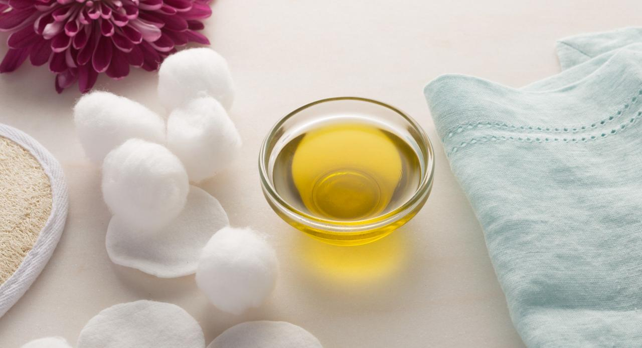 بالصور زيت الزيتون للبشرة الدهنيه , طرق تنظيف البشره الدهنيه بزيت الزيتون 2237 2