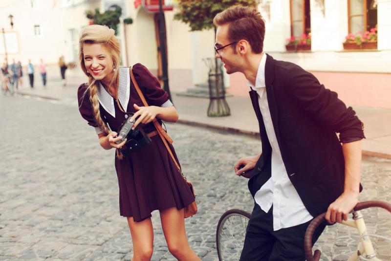 بالصور شاب مع فتاة , الحب بين الشباب والفتيات 4584 4