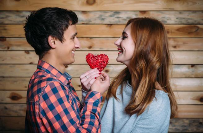 بالصور شاب مع فتاة , الحب بين الشباب والفتيات 4584 6