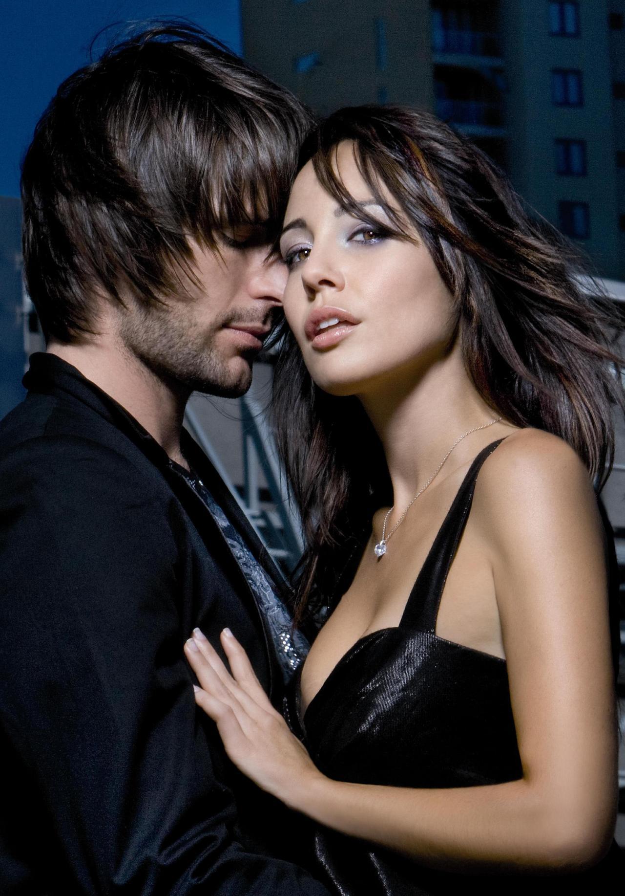 صور احضان وقبلات ساخنة , صور حب و رومانسيه - احضان الحب