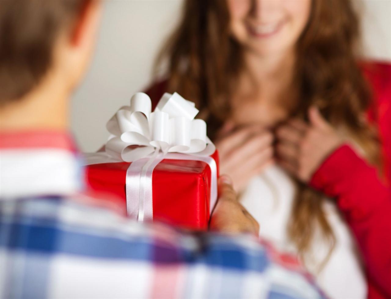 بالصور ماذا اهدي زوجتي في عيد ميلادها , هدايا قيمه للزوجه تجعلها اكثر سعاده 2228 4