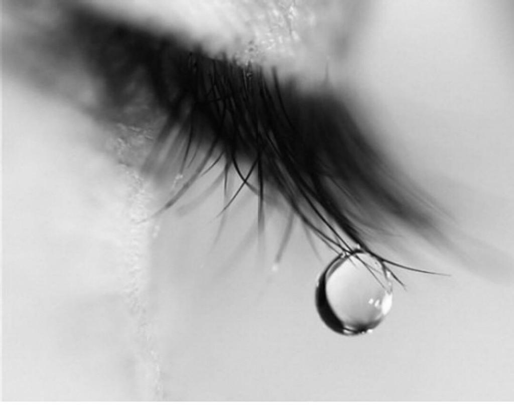 بالصور صور دموع حزينة , صور متنوعه حزن وبكاء 2245 26
