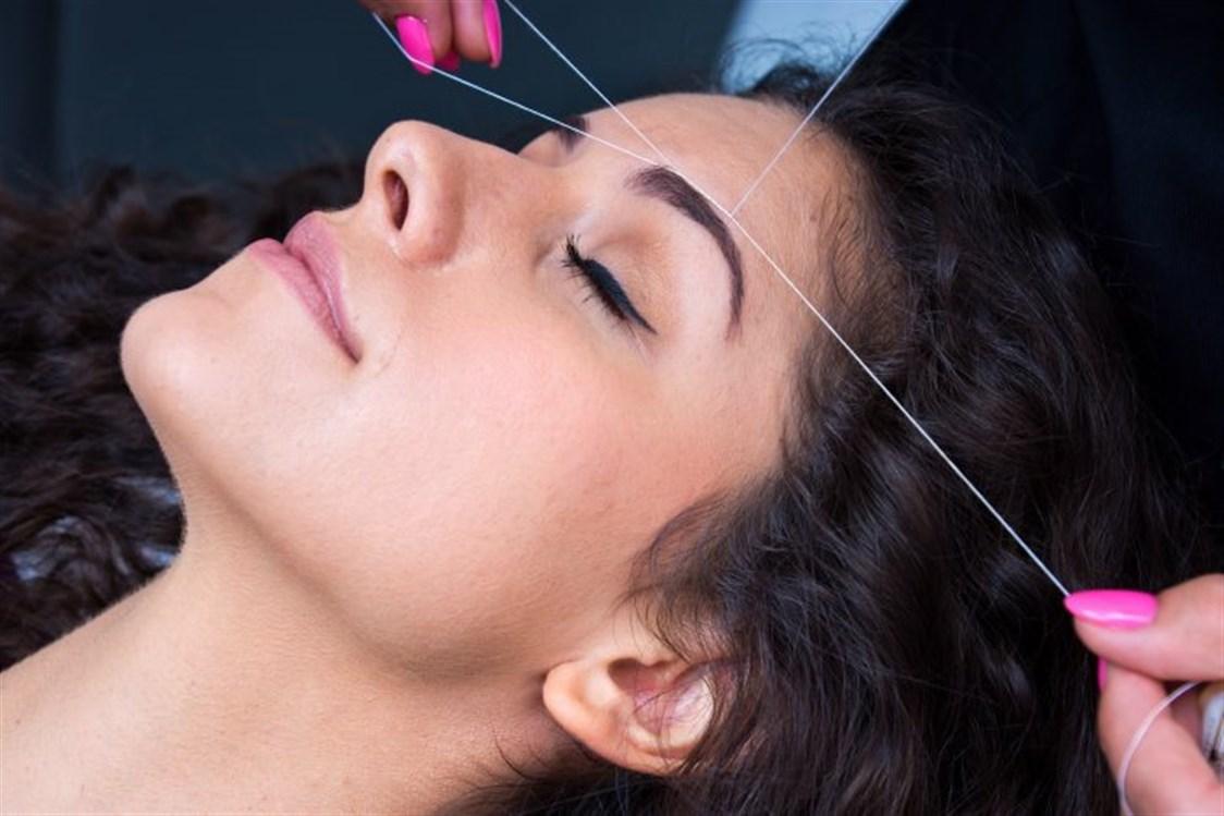 صورة طريقة نزع الشعر من الوجه , افضل الطرق لازله شعر الوجه