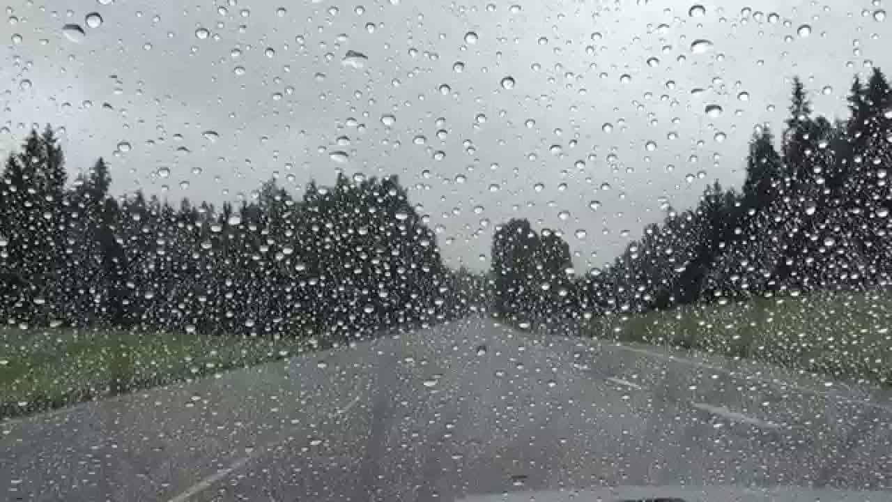 بالصور حلمت اني تحت المطر , تفسير رويه المطر في الحلم 2381 2