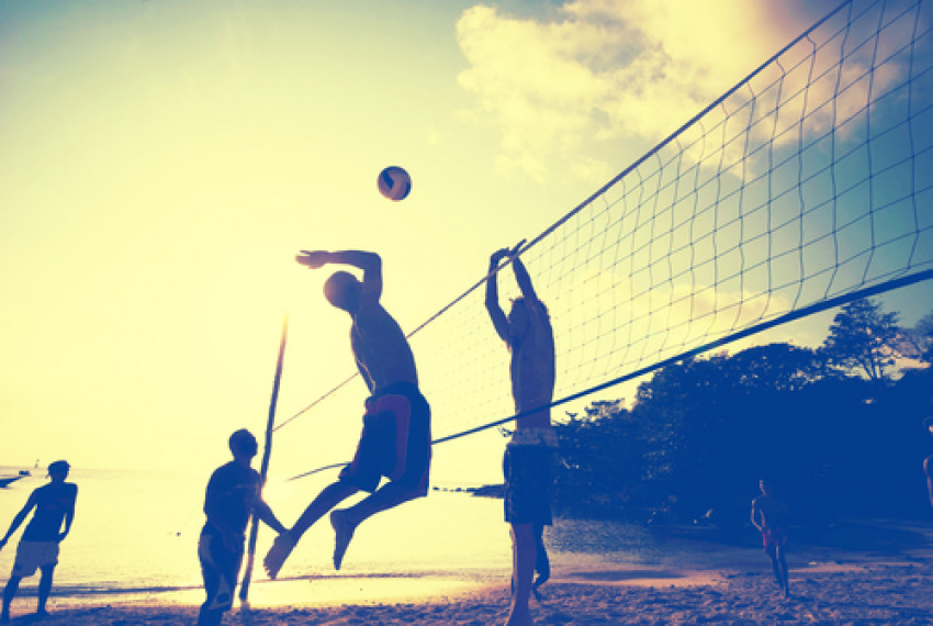 صورة موضوع حول كرة الطائرة , فوائد لعب الكره الطائرة للجسم