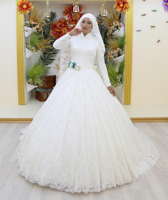 صور فساتين زفاف المحجبات , اجمل عروس محجبة بفستانها