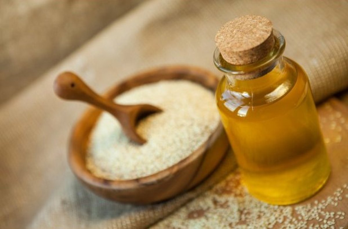صورة فوائد زيت السيرج للشعر , طريقه استخدام زيت السمم