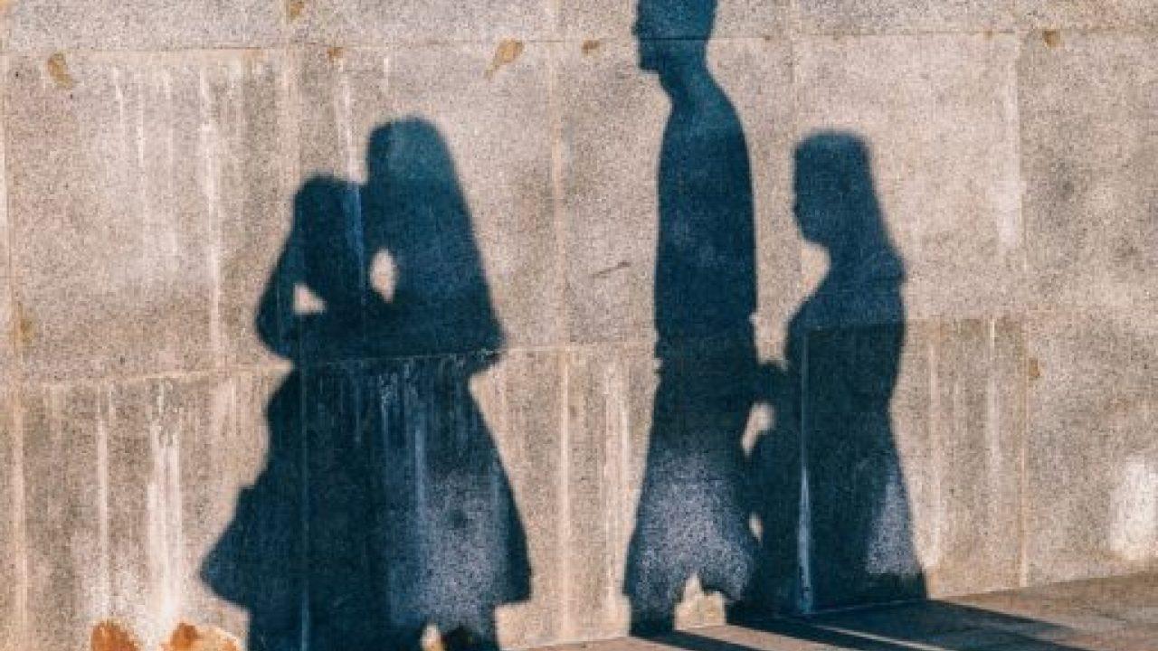 صورة مرافقة الميت في المنام , تفسير حلم مرافقه الميت