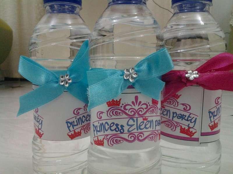 صورة اشكال علب الماء , زجاجات للماء مناسبه لجميع الاشكال