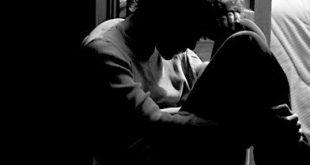 صورة صورة شخص حزين , شخص اعد لوحده