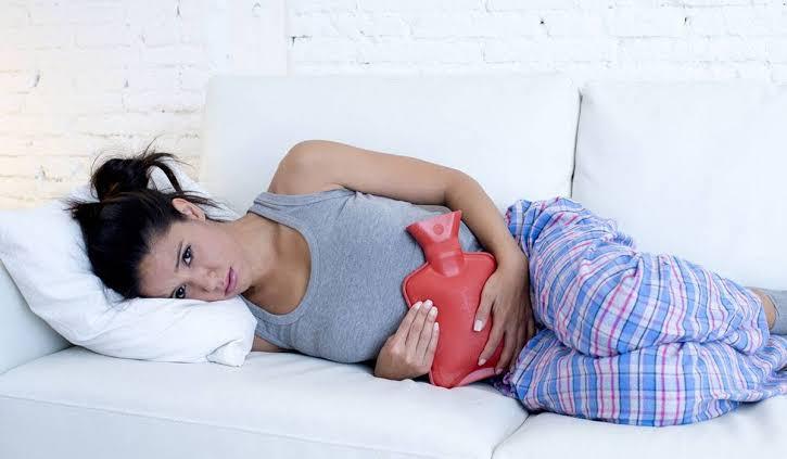 صورة لماذا تحدث الدورة الشهرية عند النساء , ما هي اسباب الدورة الشهريه لدي النساء