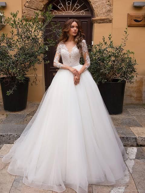صورة فساتين زفاف دانتيل كم طويل , شاهدي اجمل فساتين زفاف دانتيل 10392 3