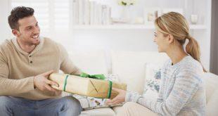 صورة كيفية التعامل مع الخطيبة قبل الزواج , عيزها تبقى مبسوطة على طول