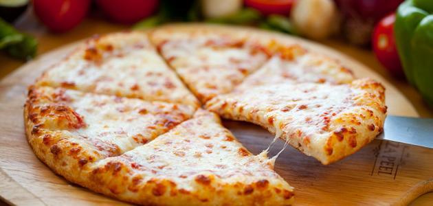 صورة طريقة عمل البيتزا بالجبنة , بيتزا ولا اسهل من كدة