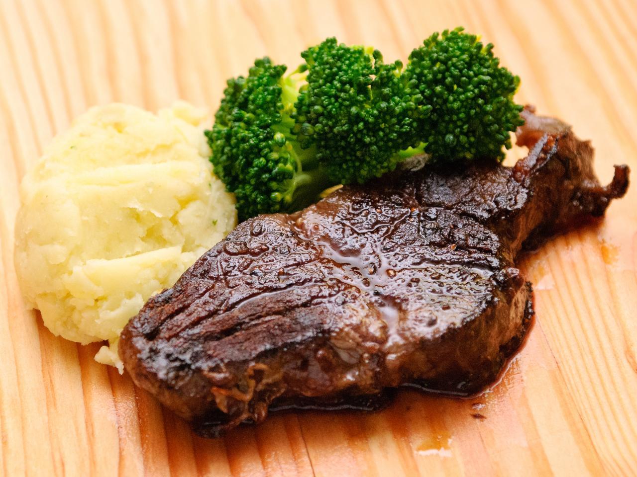 صورة طريقة عمل لحم بالفرن , هتدوقى احلى لحمة فى حياتك